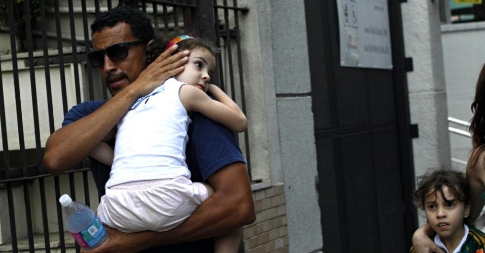 Pai protege filha após confusão em frente ao Allianz Parque antes de Palmeiras e Chapecoense