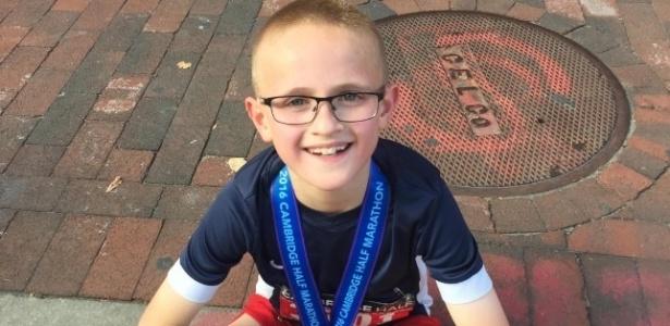 Caleb corre desde os 4 anos e tem o incentivo de pais esportistas