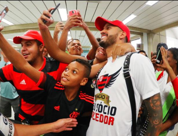 Romulo chegou ao Flamengo com prestígio, mas cenário atual é bem diferente