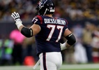 Jogador faz estreia na NFL três anos após ter câncer diagnosticado - Bob Levey/Getty Images