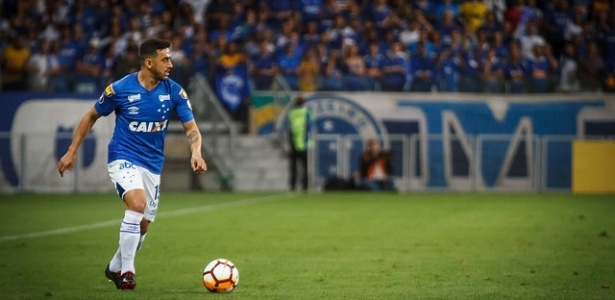 Meia rebateu declarações de Diego Alves sobre medo do Cruzeiro ao enfrentar o Flamengo - Vinnicius Silva/Cruzeiro