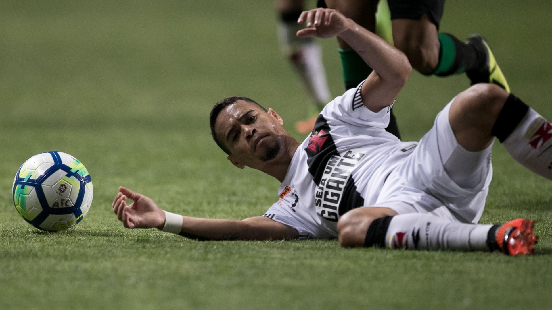 Yago Pikachu lamenta chance perdida em jogo entre Vasco e América-MG