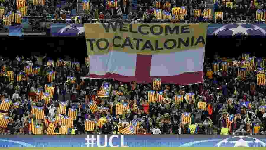 Torcida do Barcelona no Camp Nou durante jogo contra o Manchester City, pela Liga dos Campeões  - Albert Gea/Reuters