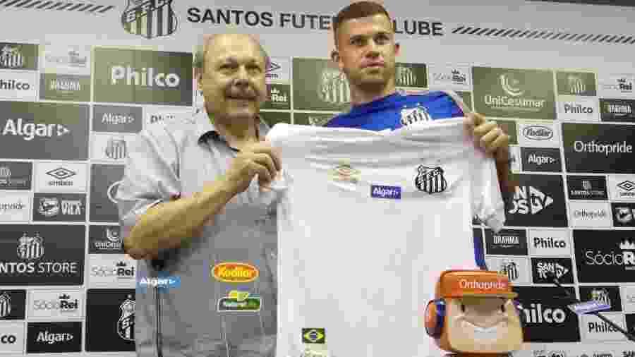 Volante Jobson, contratado pelo Santos, estava na mira do Atlético-MG - UOL