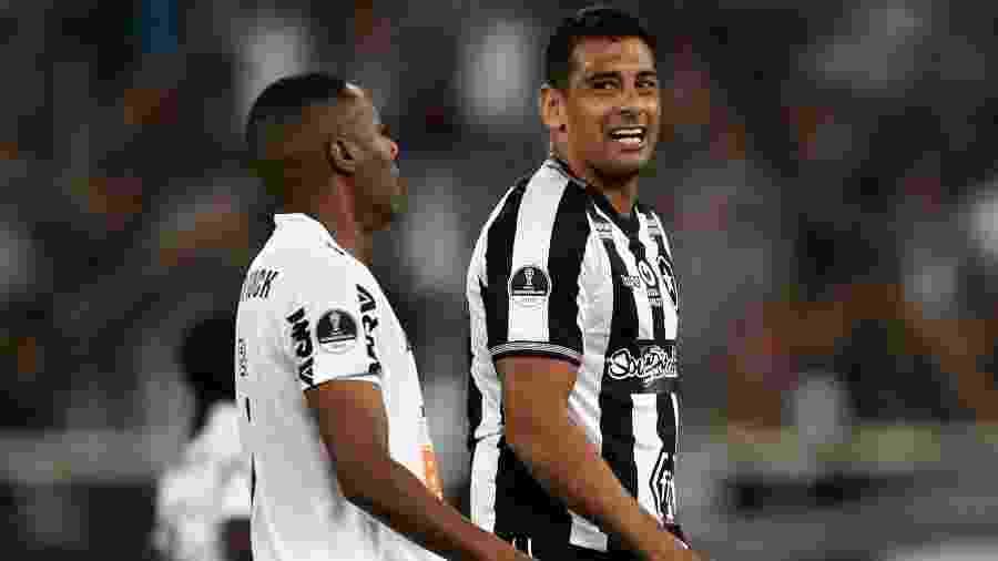 Diego Souza tem presença confirmada para encarar o Avaí - Mauro Pimentel/AFP