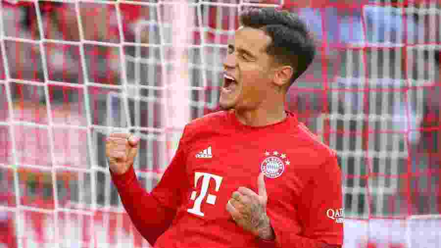 Philippe Coutinho vibra com a camisa do Bayern de Munique - Michael Dalder/Reuters