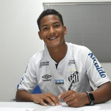 Ângelo Gabriel, de 15 anos, o jogador mais novo do Brasileirão na era dos pontos corridos, desde 2003 - Santos/Divulgação