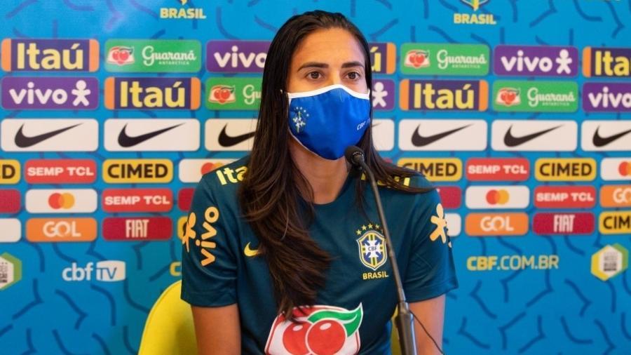 Andressa Alves em entrevista coletiva da seleção brasileira feminina de futebol - Marina Sá/CBF