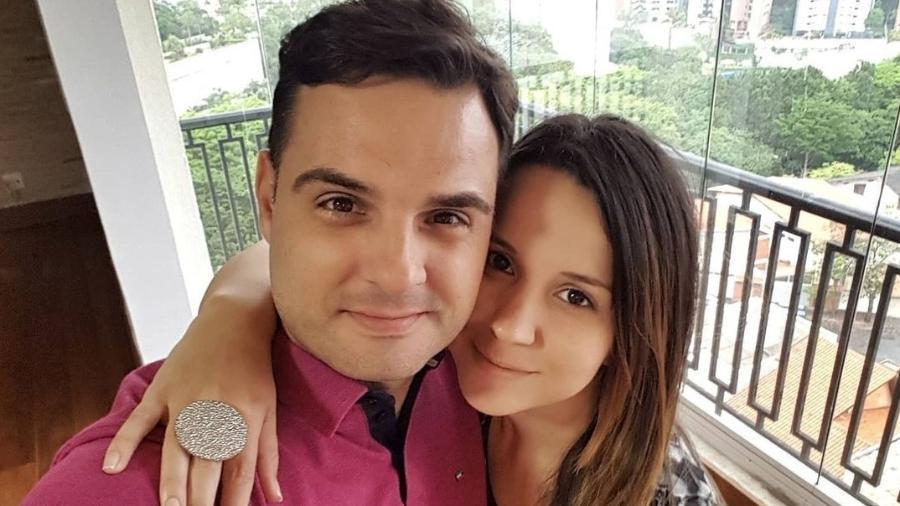 Chico Garcia, jornalista da Band, posa ao lado da mulher, Mila Alves - Reprodução/Instagram