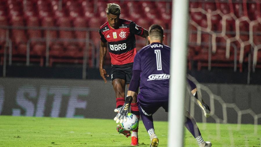Bruno Henrique em ação durante jogo do Flamengo contra o São Paulo - Alexandre Vidal/Flamengo