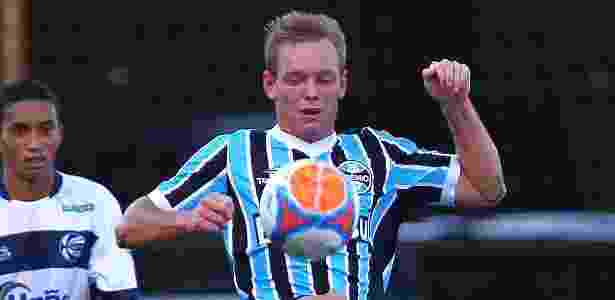 Moisés, 23 anos, tem contrato com o Grêmio até o final da temporada - Lucas Uebel/Gremio FBPA