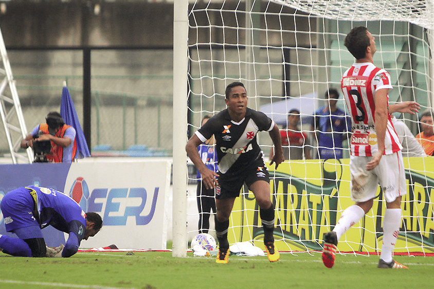 Jorge Henrique comemora gol do Vasco contra o Bangu