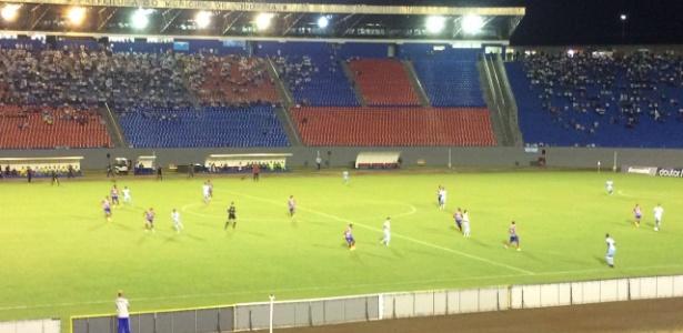 Londrina e Bahia se enfrentaram no estádio do Café pela Série B