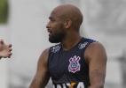 Postura agrada, mas Fellipe Bastos está há 1 mês sem jogar pelo Corinthians