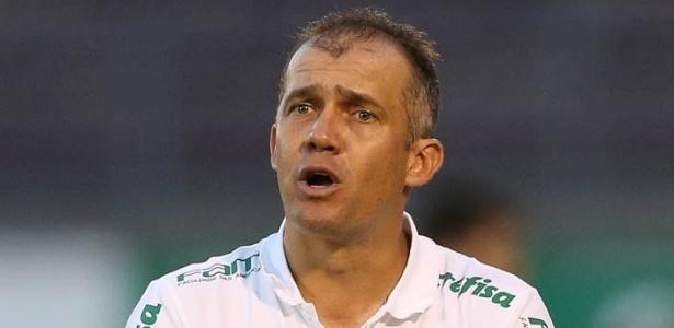 Eduardo Baptista quer uma resposta imediata à derrota para o Corinthians