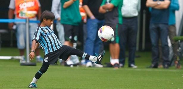 Emanuel Ferreira, 10 anos, é considerado joia nas escolinhas de futebol do Grêmio