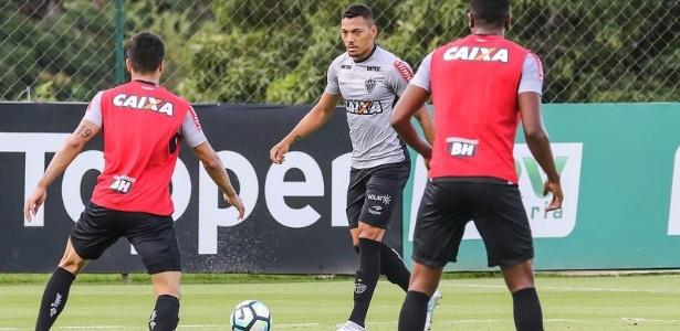Alex Silva não atua como titular do Atlético desde a última rodada do Brasileirão de 2014