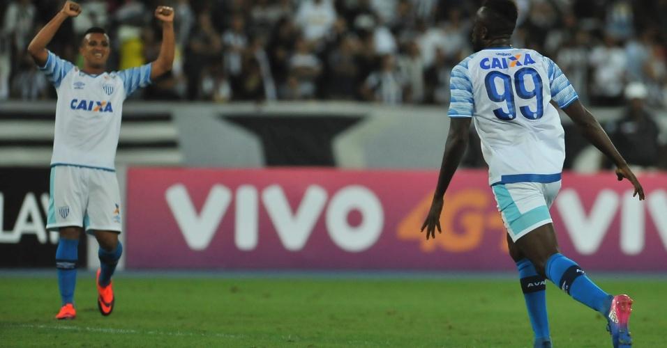 Joel abriu o placar para o Avaí contra o Botafogo no Engenhão