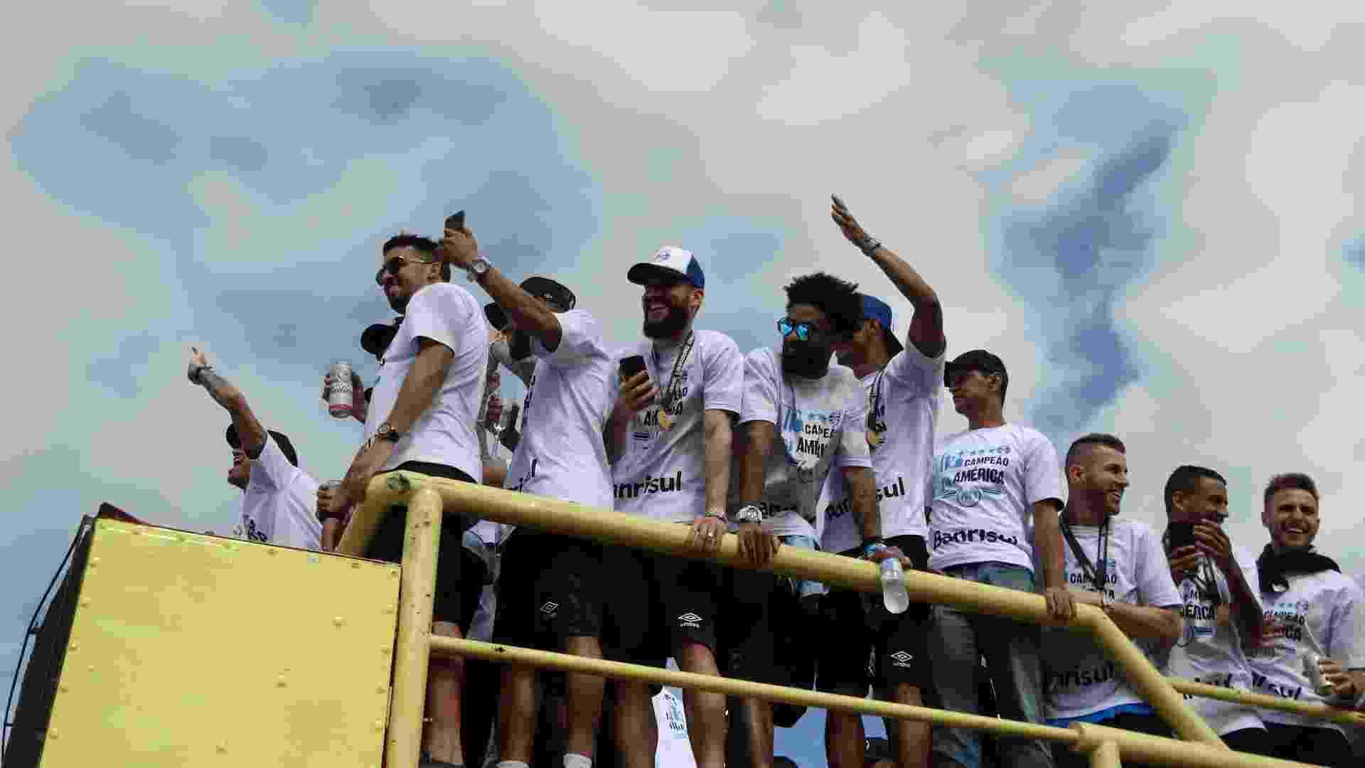 Elenco do Grêmio celebra conquista da Libertadores - Marinho Saldanha/UOL