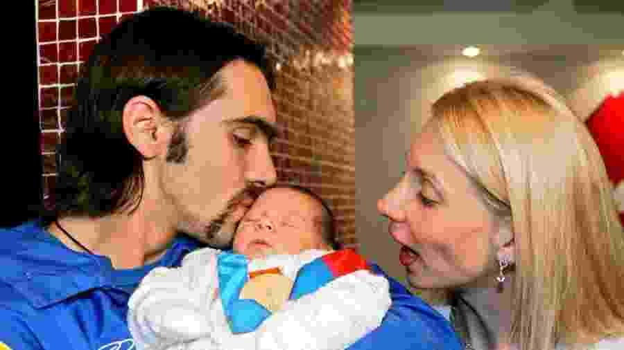 Giba e a romena Cristina Pirv tiveram dois filhos - AFP PHOTO/Orlando KISSNER