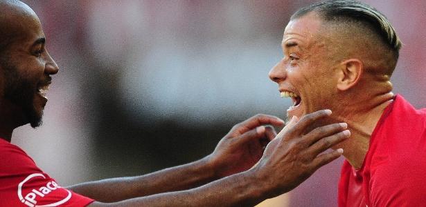D'Alessandro defendeu o Inter na Série B, e é capitão do time na retomada