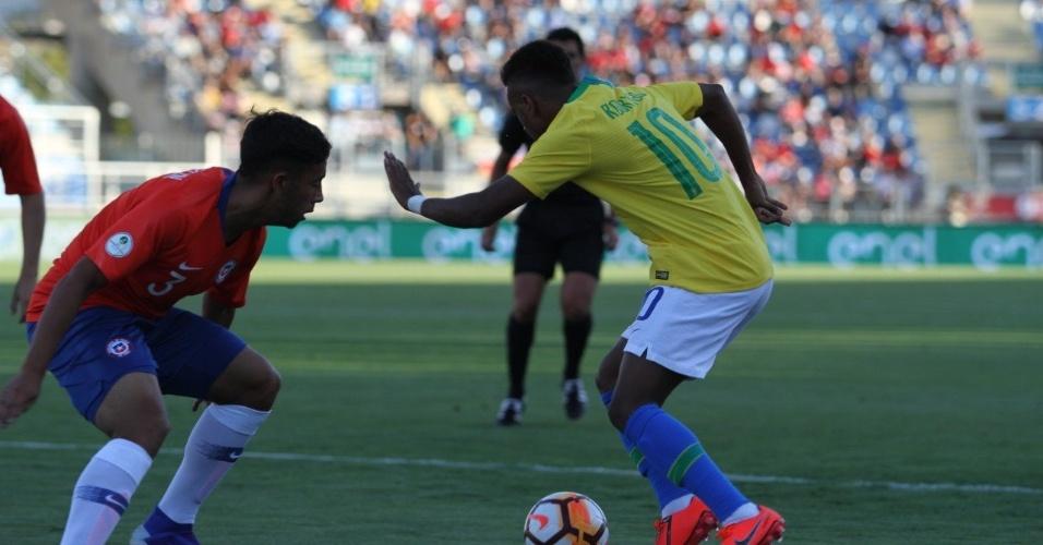Rodrygo, durante jogo entre Brasil e Chile