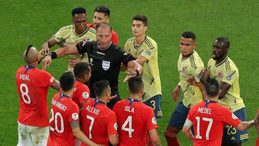 Confusão em partida Colômbia e Chile na Copa América - REUTERS/Amanda Perobelli