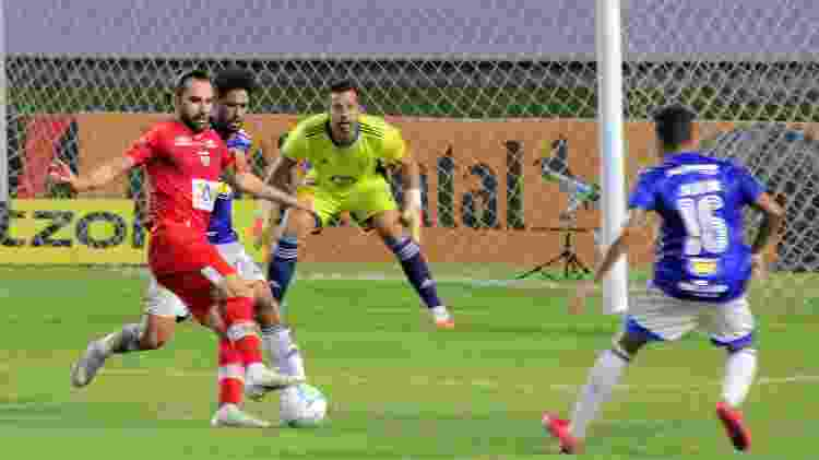 Léo Gamalho x Cruzeiro - Itawi Albuquerque/AGIF - Itawi Albuquerque/AGIF