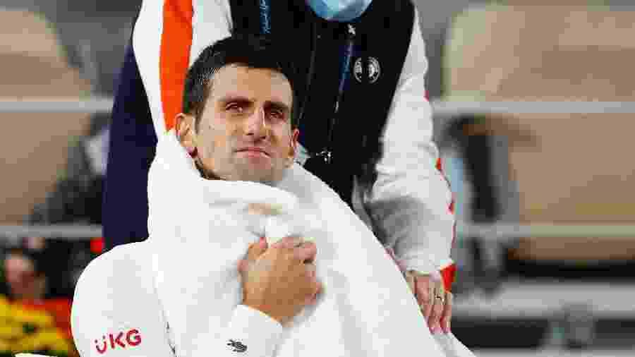 Djokovic recebe tratamento médico nas quartas de final de Roland Garros 2020 - Getty Images