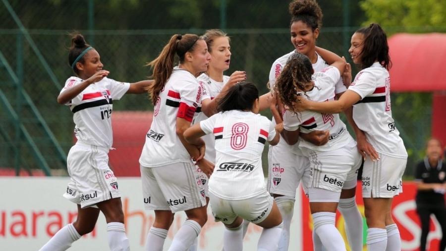 Time feminino do São Paulo comemora gol - divulgação/São Paulo
