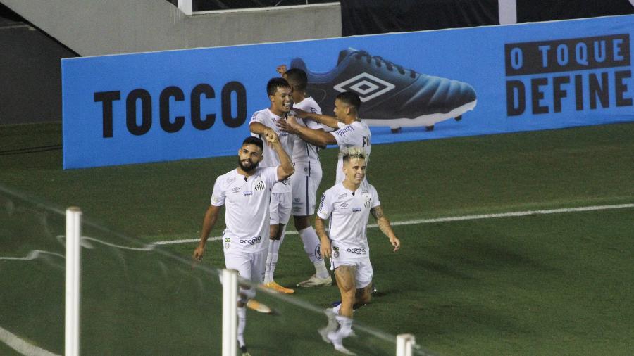Marcos Leonardo comemora gol do Santos no clássico contra o Corinthians - Fernanda Luz/AGIF