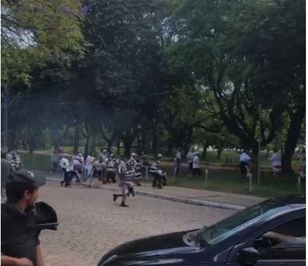 Torcedores de Inter e Corinthians brigam na volta dos visitantes ao Beira-Rio