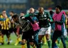 Justiça uruguaia tenta afastar trio do Peñarol e quer intimar Felipe Melo