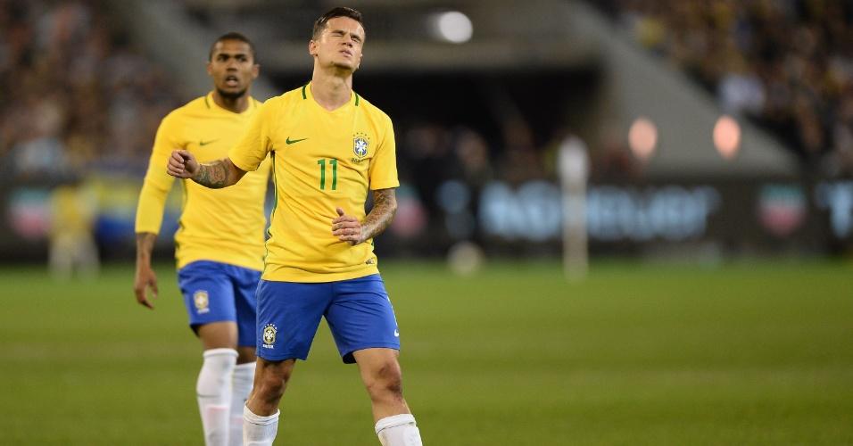 Phillipe Coutinho lamenta durante Brasil x Argentina
