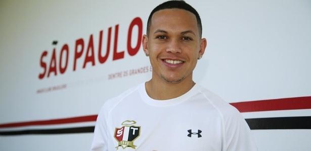 Marcos Guilherme foi apresentado oficialmente no São Paulo