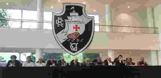 """Mesa da """"união política do Vasco"""" tinha 3 nomes barrados: Eurico, Luis Fernandes e Sérgio Frias - Bruno Braz / UOL Esporte - Bruno Braz / UOL Esporte"""