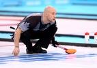Campeão olímpico é expulso de competição de curling por competir bêbado - Paul Gilham/Getty Images
