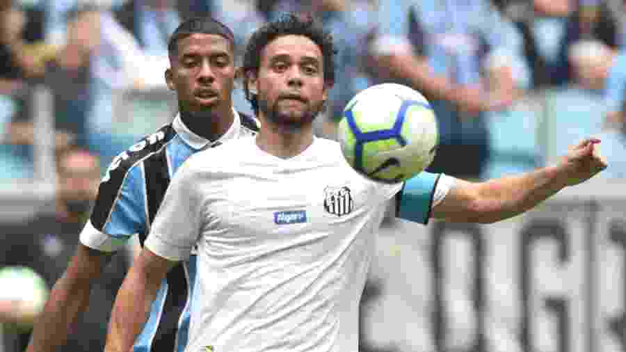 Victor Ferraz, durante confronto entre Santos e Grêmio, pela primeira rodada do Brasileirão - Ivan Storti/Santos FC