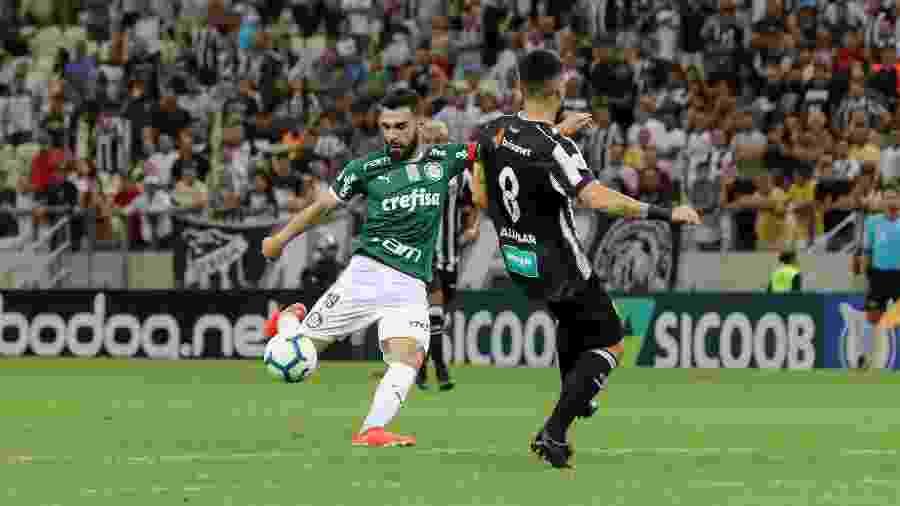 Bruno Henrique tenta finalização de fora da área na partida entre Ceará X Palmeiras pelo Campeonato Brasileiro - Pedro Chaves/AGIF
