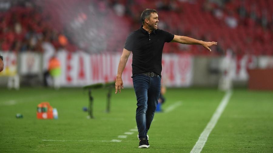 Eduardo Coudet, técnico do Inter, explicou suas opções e pediu tempo de trabalho - Ricardo Duarte/Inter