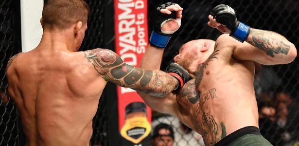 Conor McGregor sofre 1º nocaute na carreira e pede por nova luta no UFC