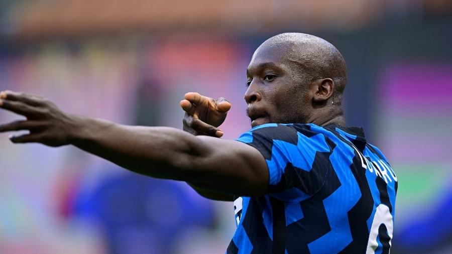 Lukaku, atacante da Inter de Milão, comemora gol marcado no Campeonato Italiano  -  Mattia Ozbot/Soccrates/Getty Images