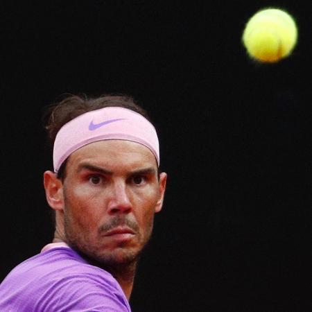 Tenista também ficará fora de Wimbledon após desgaste em Roland Garros - Reuters