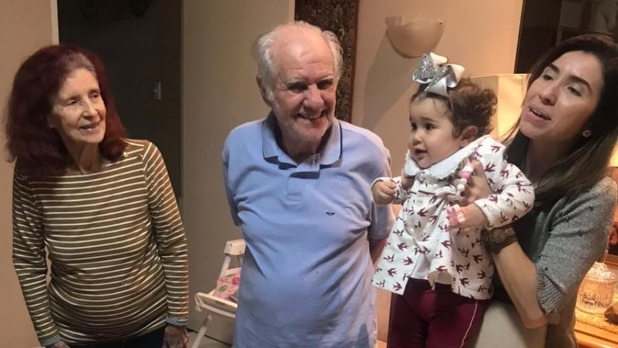 Evaristo comemorou o aniversário de 88 anos ontem, ao lado da seua família - Arquivo pessoal
