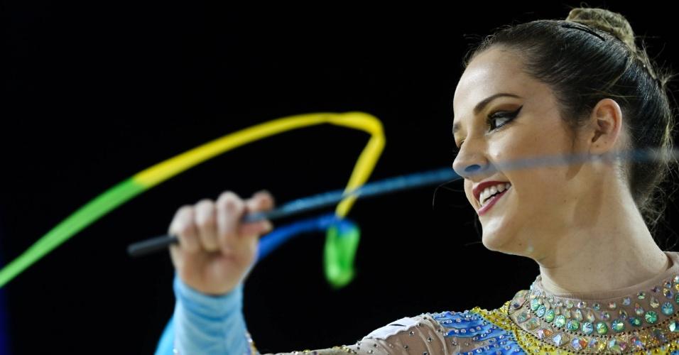 Natalia Gaudio se apresenta na final de individual com fitas. Brasileira ficou na oitava colocação