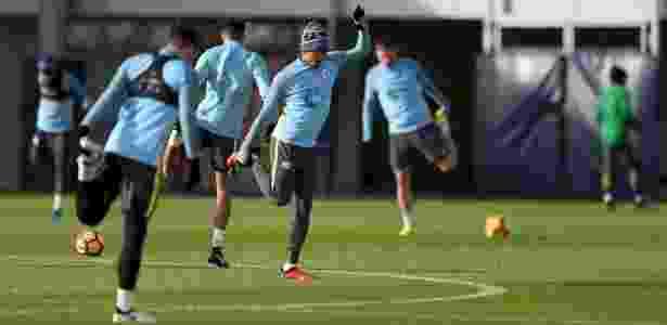 Gabriel Jesus treina com companheiros no Manchester City - Divulgação/Manchester City - Divulgação/Manchester City