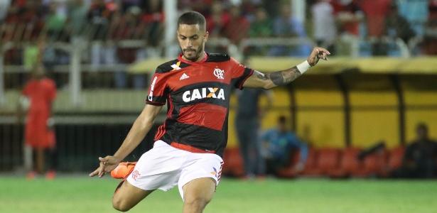 Volante Rômulo não vai enfrentar o Atlético-PR pela Libertadores