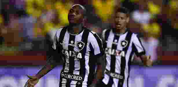Botafogo perdeu muitas chances e sofreu para arrancar empate com o Barcelona-EQU - Rodrigo Buendía/AFP Photo