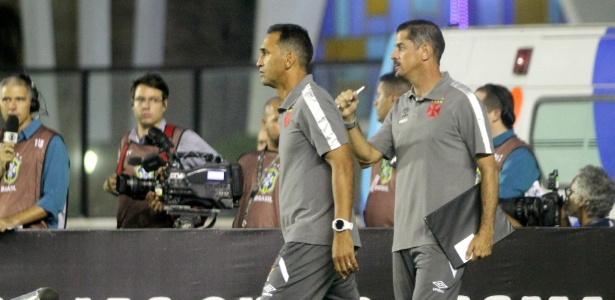 Ednelson Silva e Valdir Bigode comandaram o Vasco à beira do campo