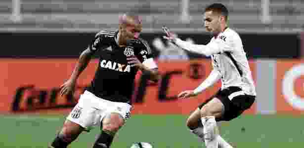 Sheik em ação pela Ponte Preta contra o Corinthians; atacante é amigo de Carille - Miguel Schincariol/Getty Images